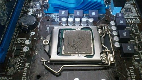 CPUグリスを塗る