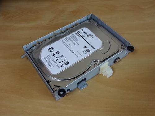 ハードディスク載せ替え