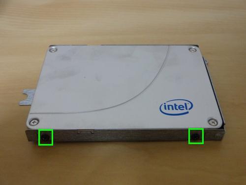 SSDをマウンタに取り付け