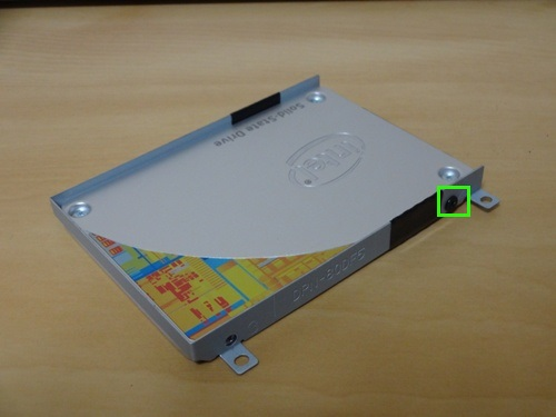 SSDをマウンタに固定
